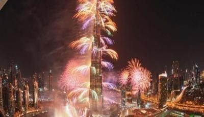 قبل ساعات من إطلاق الألعاب النارية احتفالاً بالعام الجديد.. الصين تحظرها ودبي تستعد لدخول غينيس