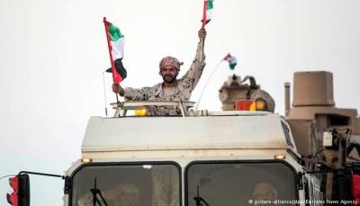 """في تجاوز للشرعية.. تلميحات اماراتية لقيادة """"طارق"""" حسم معركة صنعاء بدعم من التحالف"""