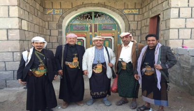 """ميلشيات الحوثي تقصف منزل القيادي المؤتمري """"ياسر العواضي"""" في البيضاء"""