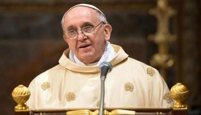 البابا يحذر: العالم على بعد خطوة من الحرب النووية