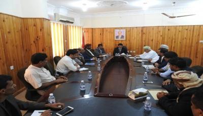 المهرة: مباحثات يمنية عمانية لدعم احتياجات المحافظة من المشاريع التنموية