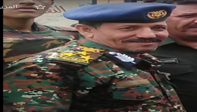 إب: قائد عسكري حوثي يسطو على أرضية مواطن بالقوة ويودع صاحبها بالسجن