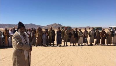 قائد عسكري: انشقاق 200 شخص عن الحوثيين بالجوف وانضمامهم للشرعية