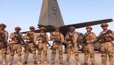 قوة سعودية وآليات عسكرية تصل إلى ميناء نشطون بمحافظة المهرة