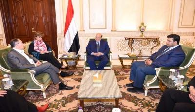الرئيس هادي: الحل في اليمن يكمن في السلام المبني على المرجعيات الثلاث