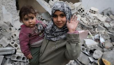 """""""أنا عايش""""... صرخة أطفال الغوطة الشرقية من وسط الركام"""