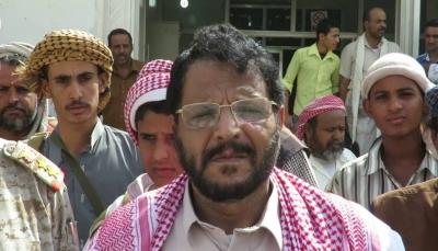 """مصدر لـ""""يمن شباب نت"""": الرئاسة تستدعي محافظ شبوة عقب اتهامه بتهريب اسلحة للحوثيين"""
