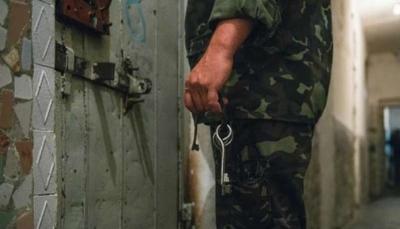 """سوريات يتحدثن بعد خروجهن من سجون الأسد.. """"الاغتصاب"""" جحيم لم يستثن المسنات"""