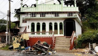 عشرات البوذيين يواصلون اعتداءاتهم على المسلمين في سريلانكا رغم الطوارئ