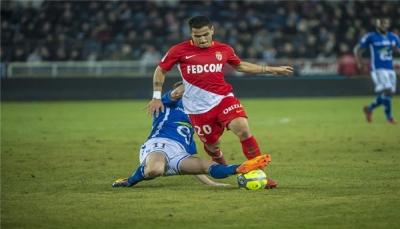 موناكو يؤمن وصافة الدوري الفرنسي بثلاثية في شباك ستراسبورج