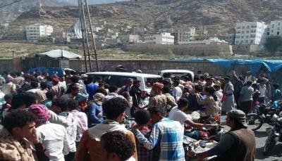 """مصدر لـ""""يمن شباب نت"""": إصابة مدنيين في انفجار عبوة ناسفة وسط مدينة تعز"""