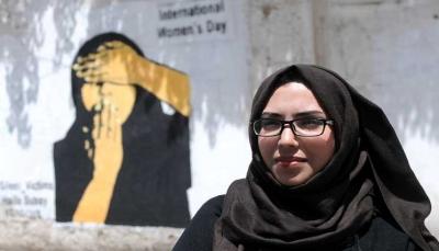 هيفاء سبيع .. فنانة يمنية تشكو للجدران مأساة شعبها (صور)