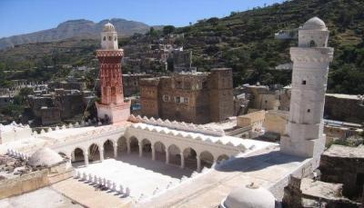 إب.. مليشيا الحوثي تنهب مكتبة مسجد وتصادر مقرها