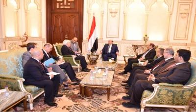خلال لقاءه الرئيس هادي.. المبعوث الأممي: السلام في اليمن مبني على المرجعيات الثلاث