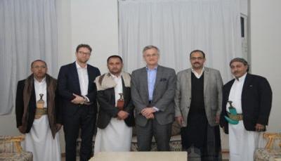 """قيادات """"مؤتمر صنعاء"""" تناشد مسؤولا سويديا التدخل لدى الحوثيين لتسليم جثمان صالح"""