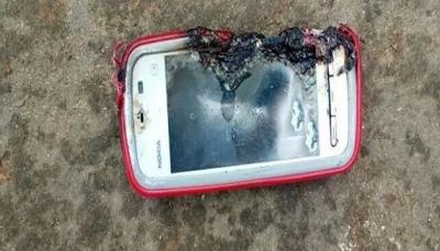 فتاة تلقى حتفها بسبب انفجار مفاجئ أثناء استخدام الهاتف (صورة)