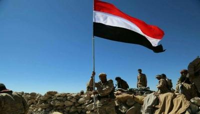 """قائد عسكري: الحوثيون يتلقون ضربات موجعة في """"نهم"""" وخسائرهم لا تعوض بسهولة"""