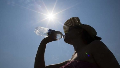 """تعرف على فوائد """"شرب الماء"""" على معدة خاوية"""