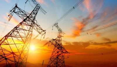 مسؤول حكومي: إنقطاع الكهرباء بمدينة عدن سيتلاشى خلال الشهر المقبل