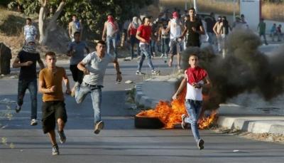 مقتل فلسطيني بنيران قوات الاحتلال على حدود غزة مع استمرار احتجاجات