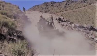 """شاهد.. قوات الجيش تحرر مواقع جديدة في """"نهم"""".. ودفاعات ميليشيات الحوثي تنهار (فيديو)"""