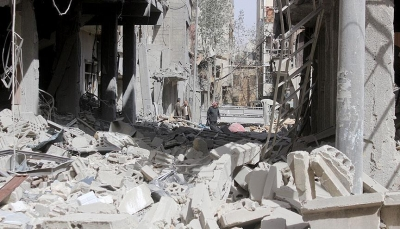 مقتل 25 مدنياً جراء غارات جوية على دوما في غوطة دمشق الشرقية