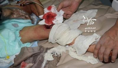 استشهاد مواطن وإصابة 3 آخرين بينهم طفل وتدمير منازل بقصف للحوثيين على أحياء سكنية بتعز (صور)