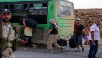 وصول حافلات مقاتلي المعارضة إلى شمال غرب سوريا بعد خروجها من دوما