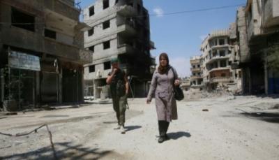 نازحون من الغوطة الشرقية يجدون صعوبة في التعرف على منازلهم جراء الدمار