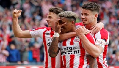 أيندهوفن يتوج بلقب الدوري الهولندي لكرة القدم للمرة الـ 24