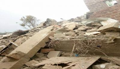 """تعز: الحوثيون يفجرون منزلين بعزلة """"الحيمة"""" ومقتل مدني"""