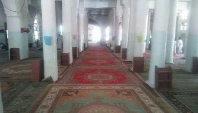 إب.. مصلو الجامع الكبير يعزفون عن أداء صلاة الجمعة في مسجدهم احتجاجاً على ممارسات الحوثيين