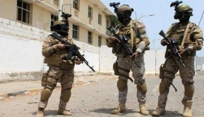 قوات إماراتية تصل مطار سقطرى بشكل مفاجئ بالتزامن مع زيارة الحكومة