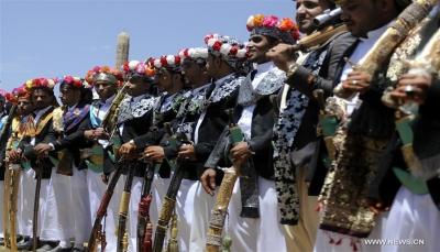 بسبب تشغيلهم للموسيقى.. مليشيا الحوثي تختطف 15عريساً في محافظة عمران