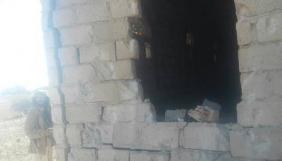 """البيضاء: ميلشيات الحوثي تدمر منزل مواطن بالدبابات بمديرية """"ولد الربيع"""""""