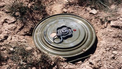 لحج: الجيش يعثر على 210 ألغام مضادة للدبابات تركتها ميلشيات الحوثي
