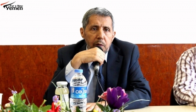 """أمين عام حزب الإصلاح يعلق على أزمة """"جزيرة سقطرى"""" بين الحكومة والإمارات"""