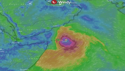 طوارئ المهرة: العاصفة تتحرك بسرعة 12 كيلو بالساعة نحو سواحل المحافظة
