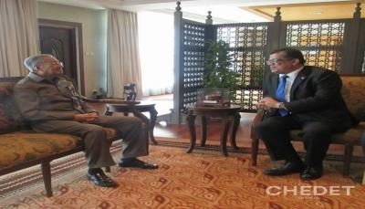 مهاتير محمد يجدد ترحيب ماليزيا باليمنيين على أراضيها