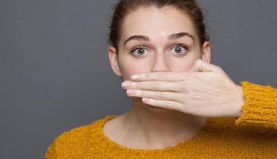 كيف تتخلص من رائحة الفم الكريهة؟