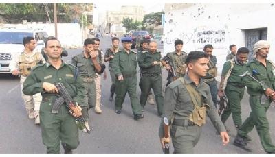 تعز .. في ظل انتشار الحملة الأمنية .. نجاة قائد عسكري وإصابة ثلاثة جنود شرق المدينة