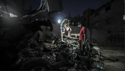 الاحتلال الإسرائيلي يقصف سيارة شرق غزة