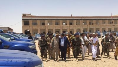 شرطة الجوف تتسلم 30 طقماً أمنياً مقدم من السعودية