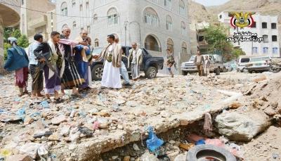 وكيل محافظة تعز يتفقد أضرار السيول في منطقة الدحي
