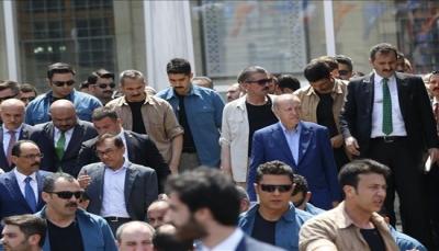 """أردوغان يصطحب السياسي الماليزي """"أنور إبراهيم"""" لصلاة الجمعة"""