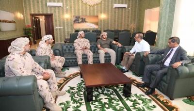 الحكومة تناقش مع التحالف العربي دعم قوات الأمن في محافظة حضرموت