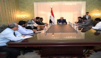 الرئيس هادي يوجه الجهاز المركزي للرقابة والمحاسبة بفضح شبكات المصالح لنهب المال العام