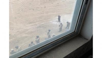"""حراس مقر أممي بصنعاء يعتدون عل محتجين من أهالي الحي ضد """"انتهاكات"""" الجنود"""