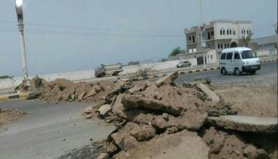 """الحديدة: مليشيا الحوثي تغلق الطرق بسواتر ترابية وتشن حملة اختطافات في""""زبيد"""""""