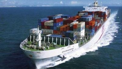 """التحالف العربي يعلن إصلاح سفينة الشحن التركية ووصولها ميناء """"الصليف"""""""